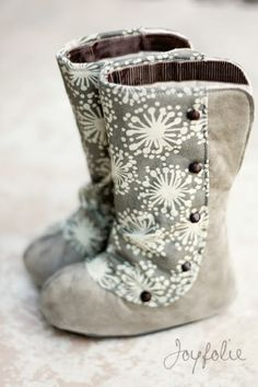 No tutorial.. but once I figure out this sewing thing I will create some of these adorable boots!!!