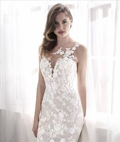 San Patrick 2018 Style LEVIA Romantic mermaid gown with a flowing skirt where embroidered Tulle and lace create floral patterns over the entire dress. An illusion neckline makes embroidered flowers on crystal Tulle blending in with the skin. Garden Wedding Dresses, Lace Wedding Dress, Wedding Dress With Pockets, Wedding Dress Styles, Designer Wedding Dresses, Lace Back Dresses, Dress Backs, Meghan Markle Wedding Dress, Dress Alterations