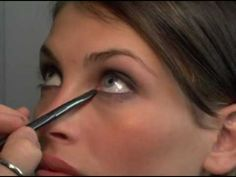 cr-Beau Nelson's Essential Make-Up Tips: Easy Smokey Eyes (video)