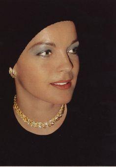 ROMY SCHNEIDER #idol #iconic #star #celebrity #people #gal #pretty #romy #sissi #mythe