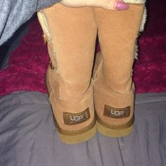 Chestnut bailey button UGGs No flaws. UGG Shoes Winter & Rain Boots