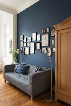 Farrow & Ball – Stiffkey Blue & Nocali Journal Farrow & Ball – Stiffkey Blue & Nocali Journal The post Farrow & Ball – Stiffkey Blue Dark Blue Living Room, Rugs In Living Room, Living Room Designs, Living Room Decor, Bedroom Decor, Blue Bedroom, Farrow Ball, Blue Rooms, Blue Walls