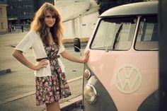 pink volkswagen bus! <3