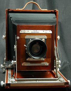 8×10 Deardorff View Camera V8