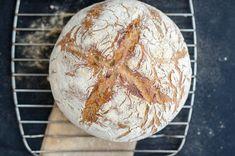 Bread with ramsons - Chleb pszenny z czosnkiem niedźwiedzim