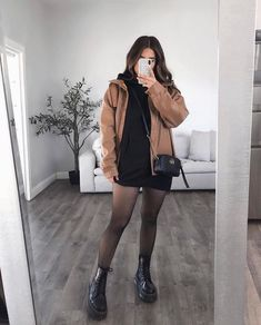 Casual Fall Outfits, Winter Fashion Outfits, Edgy Outfits, Cool Outfits, All Black Outfit Casual, Hoodie Dress, Alternative Outfits, College Outfits, Ideias Fashion