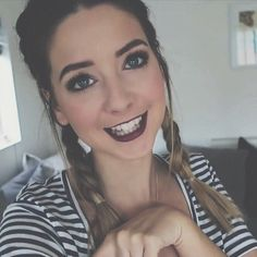 she looks so pretty with braids and dark lips Zoella Makeup, Zoella Hair, Zoella Beauty, Beauty Makeup, Hair Makeup, Eye Makeup, College Hairstyles, Cute Hairstyles, All Things Beauty