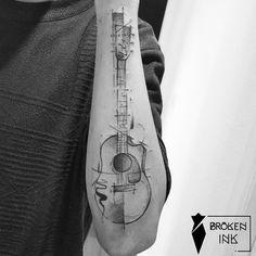 """234 Likes, 12 Comments - BROKEN INK (@broken_tattoo) on Instagram: """"Violão que rolou no meu querido Leandro! Obrigada pela confiança para sua primeira tattoo """""""