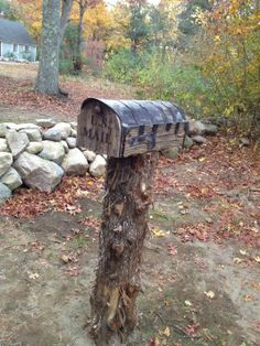 Rustic mailbox, pic sent to me by customer after mounted it on it's place Country Mailbox, Rustic Mailboxes, Manhattan Project, Curb Appeal, Home Remodeling, Mail Boxes, Wood, Outdoor Decor, Craft Ideas