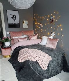 Girl Room Decor Ideas - How do you clean your room fast? Girl Room Decor Ideas - What do you buy a teenage girl? Cute Bedroom Ideas, Cute Room Decor, Girl Bedroom Designs, Teen Room Decor, Living Room Decor, Bedroom Decor, Design Bedroom, Bedroom Interiors, Bedroom Furniture