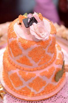 Wedding Cakes - Arushi & Dhruv wedding story | WedMeGood #wedmegood #cakes