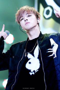 151107 Jinhwan @ Melon Music Awards © KILL THE HEART | DO NOT edit.