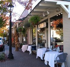 One of the many sidewalk restaurants in Roswell, GA.