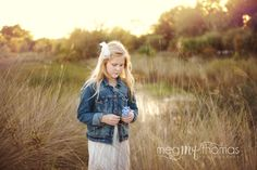 Children's photography / little girl pose idea / Child/ Girl Pose /Natural Light/  Golden Hour Photography