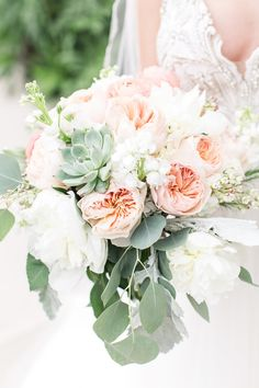Stylish Peach Wedding - Belle The Magazine