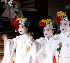 While wandering the streets of Kyoto, we stumbled across a ceremony in Tenmangu Shrine. These young girls were waiting in line for a procession to begin. Their expressions quickly turned from nervousness to excitement when they recognised familiar faces in the crowd. Photo by Michelle Cheng