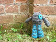 This free Amigurumi crochet pattern shows you how to make a Crochet monster. Pattern is not suitable for young child's toy – it may be a choking hazard.