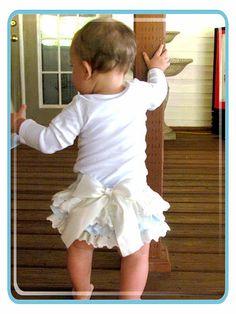 Blue Ruffled bloomers- Diaper cover-photo prop- Girls babiesToddlers- Newborn 24 mo on Etsy, $35.00