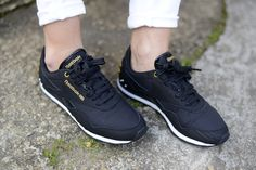 black reebok trainers
