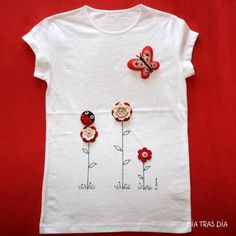 camiseta Sewing Clothes, Diy Clothes, T Shirt Painting, Baby Dress Design, Little Girl Dresses, Sewing For Kids, Handmade Clothes, Embroidery Applique, Baby Wearing
