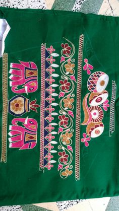 Brocade Blouse Designs, Choli Blouse Design, Simple Blouse Designs, Designer Blouse Patterns, Bridal Blouse Designs, Blouse Neck Designs, Sleeve Designs, Embroidery Designs Free Download, Embroidery Neck Designs