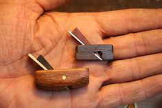 Luthier's thumb shoulder plane - the rhykenologist...[Small, I mean - small, yet practical for a luthier]