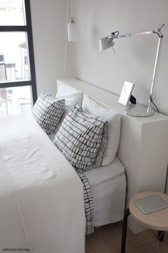 ♥ A simple headboard? It would give our room a finished look. The bedding is nice too. Home Bedroom, Master Bedroom, Bedroom Decor, Diy Storage Headboard, Architect Table, House Design, Interior Design, Decoration, Furniture