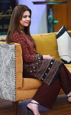 Zara, Cute Beauty, Pakistani Actress, Girls Dpz, Kurtis, Nice Dresses, Novels, Actresses, Bride