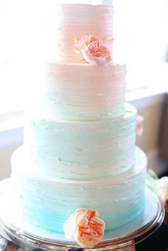 This pretty pastel cake is trendy and sweet.