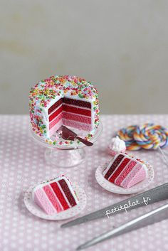 Miniature Cake - Shades of Pink