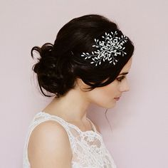 Miranda Templeton designer bridal double sided headband available from Lily Luna for a relaxed , whimsical rustic wedding bride