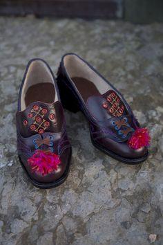 Skomaker Dina Harkmark Lie Skoenes talskvinne - Magasinet BUNAD Men Dress, Dress Shoes, Loafers Men, Oxford Shoes, Fashion, Moda, Fashion Styles, Men's Loafers, Fashion Illustrations