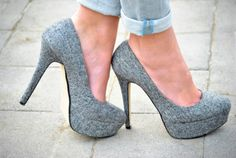 I'm just crazy over these gray pumps...