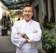 Photo: Chef Daniel Boulud Ever wonder how a multi-Michelin-starred chef cooks at home? The answer might surprise you.