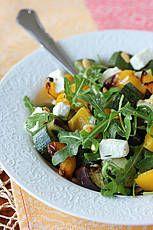 Salade van gegrilde groenten met feta en pijnboompitten