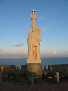 A Portuguese navigator in Spanish service, Juan Rodríguez Cabrillo, discovered San Diego Bay on Sept. naming it San Miguel. Don Sebastián Vizcaíno, who entered it on Nov. renamed the bay San Diego. Age Of Discovery, Portuguese, Statue Of Liberty, San Diego, Fun Facts, Spanish, Lion Sculpture, Military, California