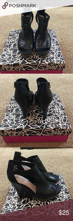 Vince Camuto black studded sandals size 9 Vince Camuto black studded sandals size 9 in good used condition. Vince Camuto Shoes Platforms