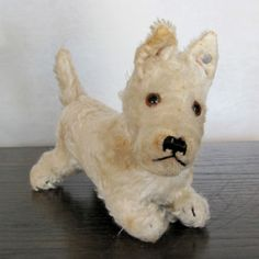 Vintage Steiff White Scottie Dog Sealyham Blank Button rare -- Antique Price Guide Details Page Vintage Teddy Bears, Antique Toys, Rare Antique, Classic Toys, Old Toys, Felt Animals, Dog Love, Kids Playing, Toys