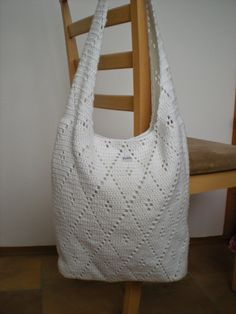 White purse or market bag. Perfect for the beach! . ~❀CQ #crochet #spring #bags #totes