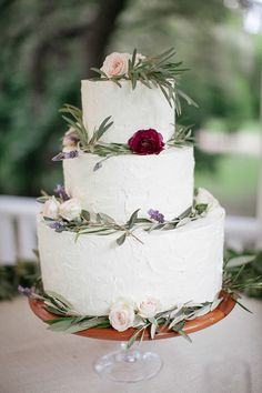 Garden themed winter wedding | Photo by The Nichols | Read more - http://www.100layercake.com/blog/?p=67856
