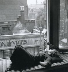 Eva Besnyö, Amsterdam, 1934