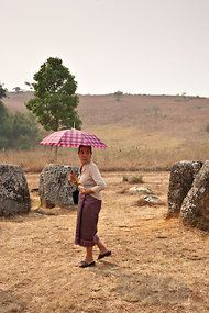 In Laos, the Lady and the Jars - NYTimes.com