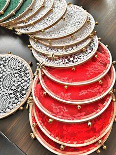 Kasnak Tef - Bekarl a Veda 301011 30 TL 9 euro civar Wedding Favors, Diy Wedding, Wedding Gifts, Dream Wedding, Wedding Decorations, Wedding Day, Tattoo Prices, Henna Night, Henna Party