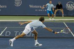 Roger Federer defeats Philipp Kohlschreiber in Cincinnati.