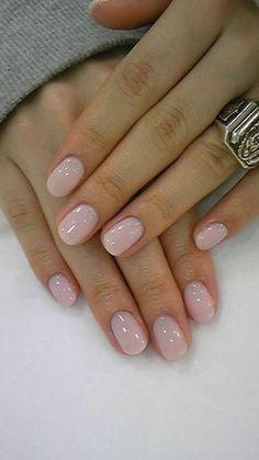 Light pearl pink gel manicure