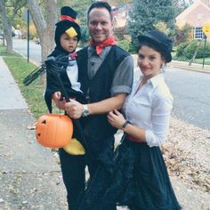 Family Halloween costume ideas! Mary Poppins, Burt and a dancing penguin! DIY halloween costumes