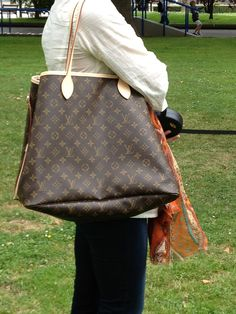 Louis Vuitton. Classy!!!
