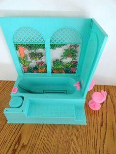hand-me-down from cousins // VTG Lot Barbie Mattel 1975 Beauty Bath Bathtub Bubbles Dream House Vanity Stool Barbie I, Barbie House, Barbie World, Barbie Stuff, Vintage Barbie, Vintage Toys, Vintage Stuff, Childhood Toys, Childhood Memories