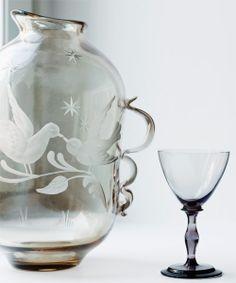 Swedish glass by designer Tyra Lundgren from Glorian Antiikki Photo Ullamaija Hänninen. September 2014, Drinkware, Glass Art, Vase, Magazine, Vintage, Design, Tumbler, Glass