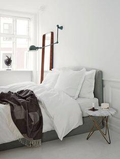 Home Decor – Bedrooms : white bedroom the shutterbugs: heidi lerkenfeldt / sfgirlbybay -Read More – White Bedroom, Dream Bedroom, Master Bedroom, White Bedding, Calm Bedroom, Airy Bedroom, Serene Bedroom, White Linens, Bedroom Small